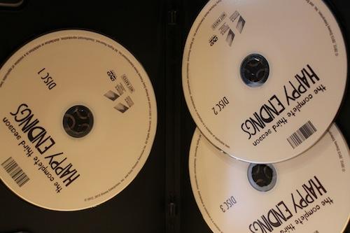 Happy Endings S3 DVD